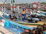 sat-polair-tangkap-6-nelayan-pengguna-jaring-trawl-mini-di-gresik.jpg