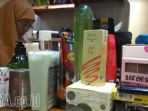 sejumlah-kosmetik-impor-ilegal-ditemukan-di-tunjungan-plaza_20170209_172752.jpg
