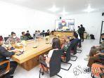 sekretaris-daerah-mujiono-saat-pertemuan-online.jpg