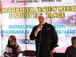 senior-manager-of-public-relation-csr-semen-indonesia-setiawan-prasetyo.jpg