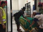 seorang-pekerja-muhammad-jupri-yunus-tewas-kesetrum-saat-memasang-baja-ringan.jpg