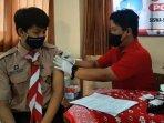 siswa-smpn-1-gresik-saat-menjalani-vaksinasi-di-sekolah.jpg