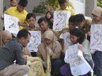 siswa-thailand-belajar-membatuk.jpg