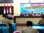 situbondo-kepala-dp3ak-jatim-dr-andryanto-membuka-acara-bimtek-evakuasi-kabupaten-layak-anak.jpg