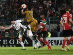 skor-madura-united-vs-persebaya-2-3-liga-1-2019.jpg