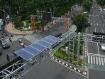 solar-cell-untuk-traffic-light-di-surabaya.jpg