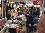 suasana-gerai-retail-aparel-di-mall-di-surabaya.jpg