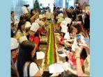 suasana-mixing-cake-ceremony.jpg
