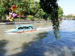 suasana-wisata-perahu-kalimas-di-surabaya.jpg