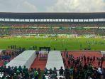 suasanan-stadion-gelora-bung-tomo-surabaya.jpg