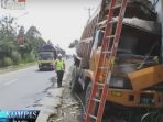 sukabumi-kecelakaan-truk_20171124_102922.jpg