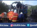 surabaya-kebakaran-truk_20161006_185340.jpg
