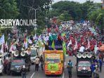 susana-demonstrasi-buruh-di-bundaran-waru-surabaya.jpg