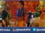 talkshow-fashionable-me-di-bumi-hotel-surabaya_20160422_200347.jpg<pf>fashion-show-batik-chic-di-sela-talkshow-fashionable-me_20160422_195541.jpg