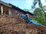 tanah-longsor-mengancam-rumah-warga-kecamatan-dongko-kabupaten-trenggalek.jpg