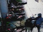 tangkapan-layar-rekaman-cctv-yang-merekam-aksi-2-pelaku-pencuri-motor-vario.jpg