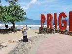 tempat-wisata-pantai-prigi-360-di-kecamatan-watulimo.jpg