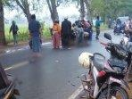 terkapar-di-jalan-raya-klobungam-kabupaten-bangkalan.jpg