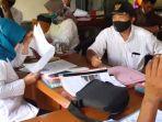 tim-monitoring-tertib-administrasi-pemdes-dari-kecamatan-gondang-kabupaten-nganjuk.jpg