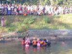 tim-rescue-bpbd-lumajang-saat-mengevakuasi-jenazah-hadi-sugiarto.jpg