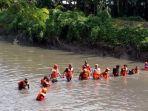 tim-sar-nyemplung-sungai-cari-mayat-siswi-smk-di-buduran.jpg
