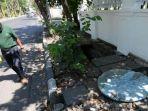 trotoar-di-jalan-dr-soetomo-surabaya-rusak-parah.jpg