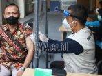 vaksinasi-covid-19-di-kantor-dinas-kesehatan-kabupaten-kediri.jpg