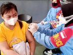 vaksinasi-covid-19-di-tulungagung-382021.jpg