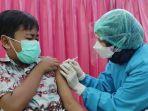 vaksinasi-covid-19-untuk-siswa-sd-di-kota-blitar.jpg