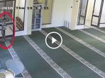 video-maling-masjid-di-mojokerto_20180406_161751.jpg