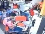 video-penjahat-tembak-mati-polisi-di-depan-istri-dan-3-anaknya_20150926_135133.jpg