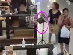 video-viral-aksi-dua-wanita-pencuri-berdandan-keren-di-galaxy-mal-surabaya.jpg