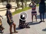 video-viral-bocah-perempuan-dikeroyok-8-orang-di-dharmahusada-indah-barat-surabaya.jpg