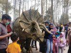 video-viral-dinosaurus-di-mojosemi-forest-park.jpg