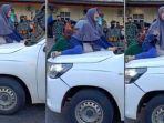 video-viral-wanita-halangi-ambulans.jpg