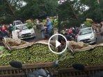 video-yang-memperlihatkan-sejumlah-pedagang-sayur.jpg