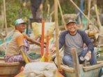 wakil-ketua-dprd-kabupaten-pasuruan-andri-wahyudi-nelayan.jpg