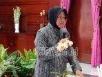 wali-kota-surabaya-tri-rismaharini-pakai-hijab-hitam.jpg