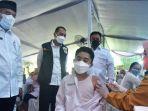 walikota-surabaya-eri-cahyadi-saat-memantau-petugas-tenaga-kesehatan.jpg