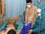 yuhronur-efendi-jenguk-pasien-home-care-service.jpg