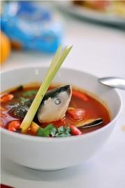 Sup Ikan Salmon Asam Pedas Surya