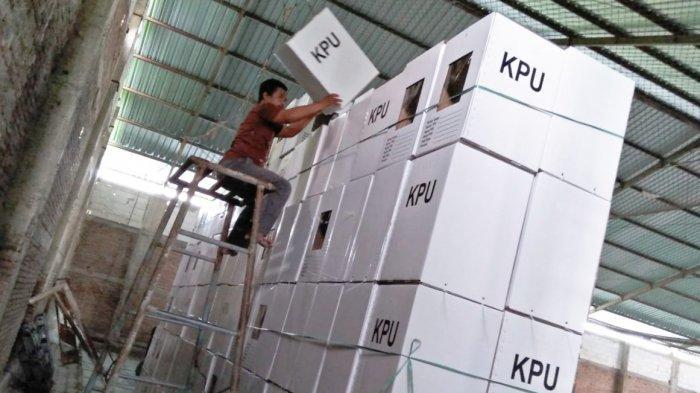KPU Magetan Taruh 2.197 Kotak Suara di Bekas Lapangan Futsal