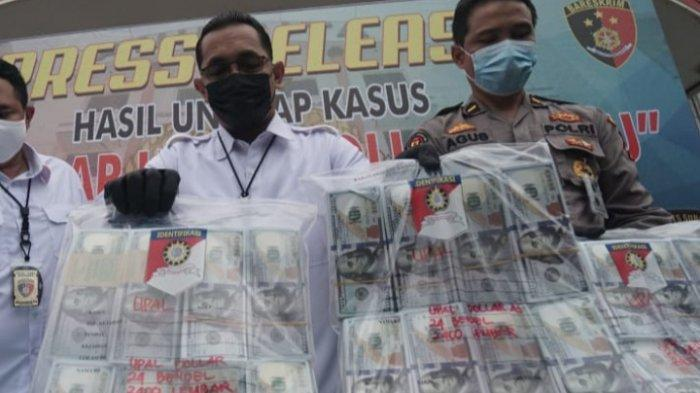 2 Kurir Asal Bali Bawa 15.000 Lembar Uang Dollar Palsu ke Surabaya, Bentuknya Mirip Uang Asli