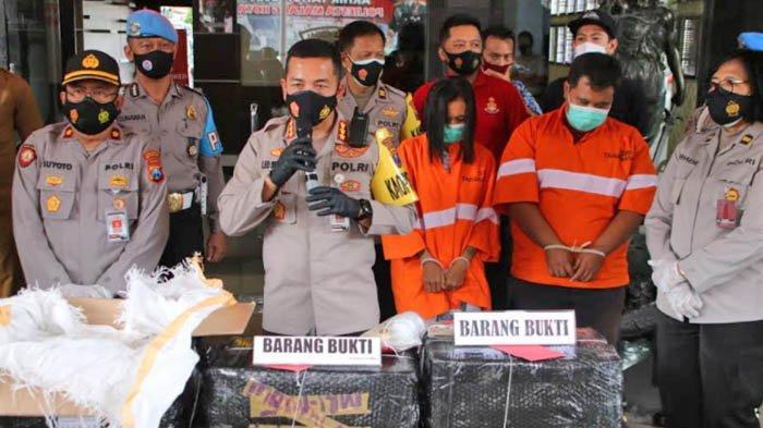 Polsek Sukun Malang Bekuk Ibu Rumah Tangga dan Sopir Karena Edarkan Pil Dobel L