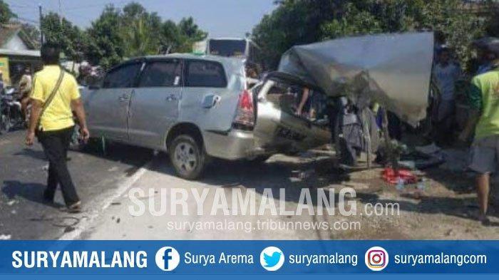 BREAKING NEWS – 3 Orang Tewas dalam Kecelakaan Mobil Vs Bus Mira di Jalan Raya Nganjuk – Madiun