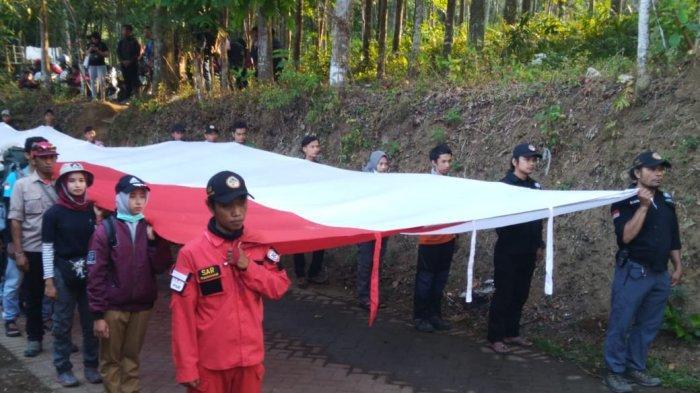 Panitia Siapkan Bendera Merah Putih 200 Meter untuk Upacara di Gunung Penanggungan, Mojokerto