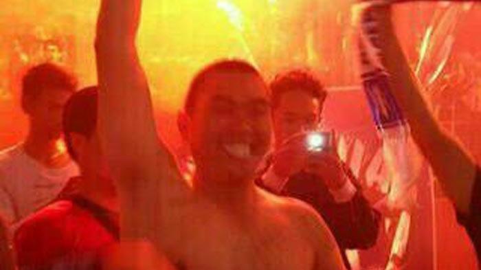 Begini Gaya Wali Kota Malang M Anton Bersama Aremania Berpesta Sambut Arema Juara