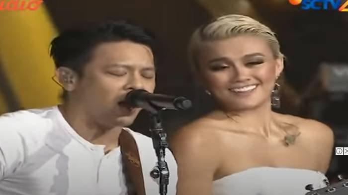 Agnez Mo duet dengan Ariel Noah di HUT SCTV