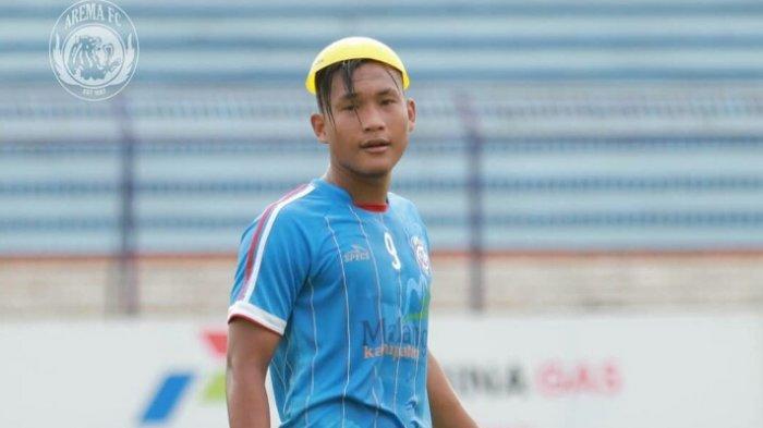 Robert Gladiator Absen, Peluang Ahmad Hardianto Unjuk Gigi Posisi Striker Arema FC
