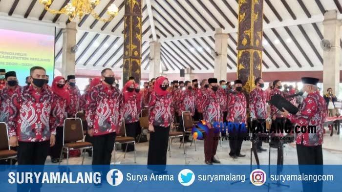 Pakai Seragam Merah dalam Pegukuhan Asosiasi Kepala Desa, Bupati Malang Bantah Ada Unsur Politik